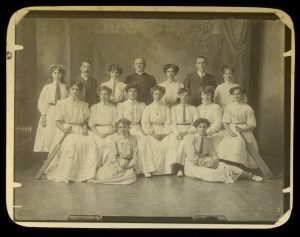 Coldstream Ladies Cricket Club circa 1908. Image: State Library of Victoria