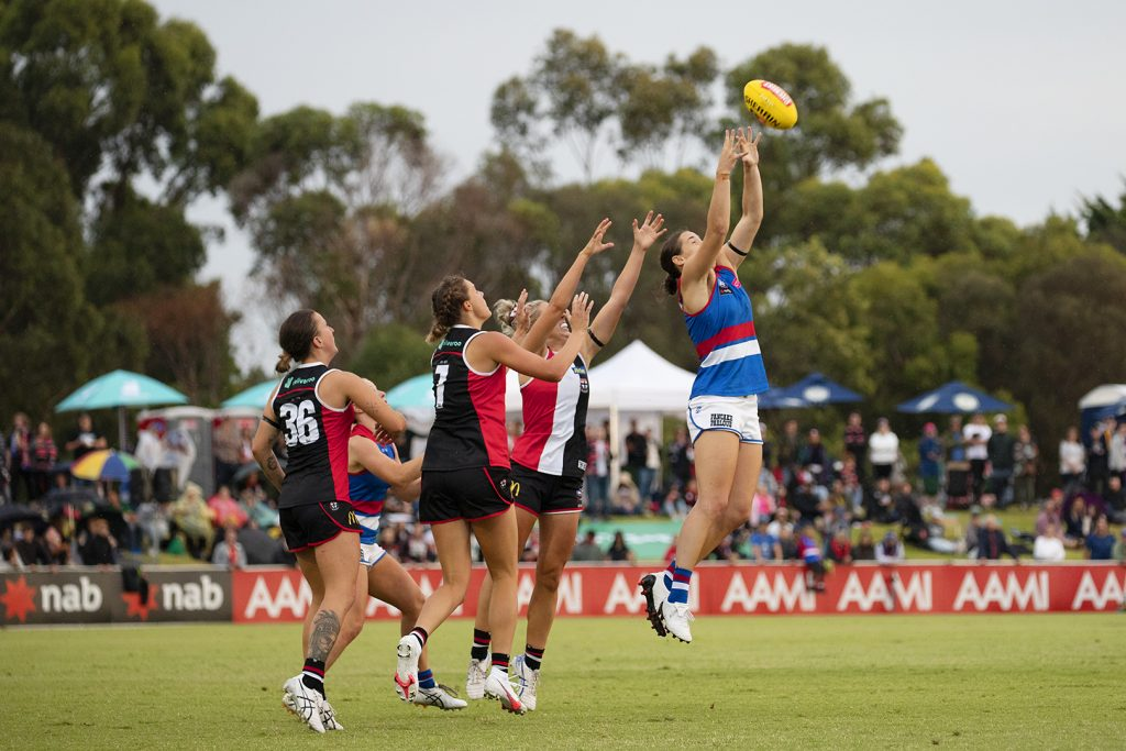 Isabel Huntington took a career-high nine marks this week against Geelong. Image: Megan Brewer AFLW Round Three