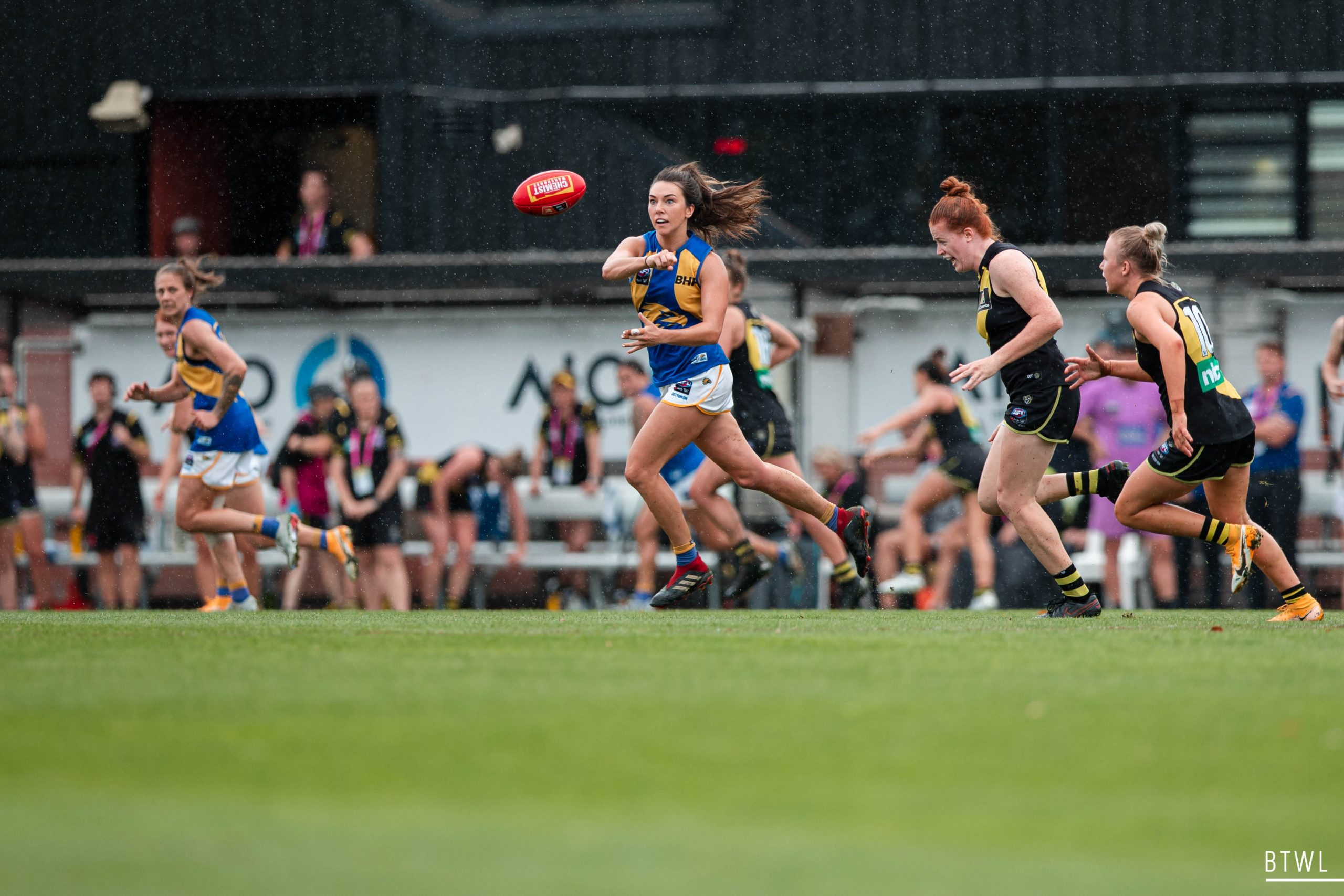 Niamh Kelly was crucial for the Eagles in AFLW round eight. Image: Rachel Bach / By The White Line
